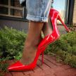 Врач заявил об опасности ношения каблуков для переболевших коронавирусом