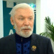 Поэт Ренат Харис отдал полученную премию вахтеру обстрелянной гимназии в Казани